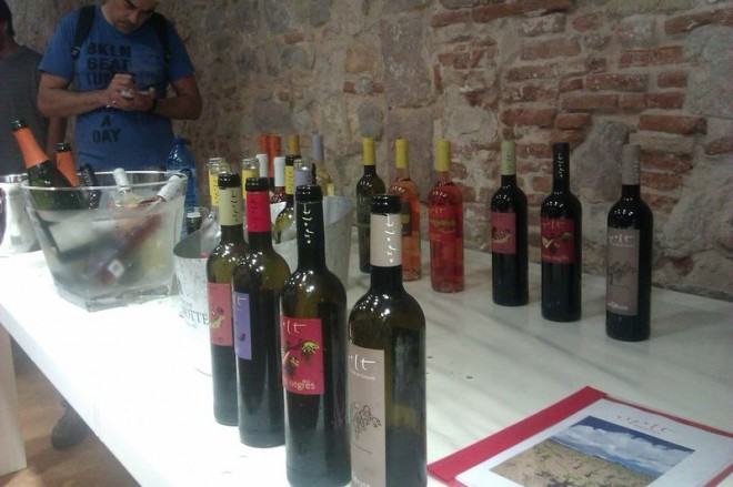 Smakując wino na El Born